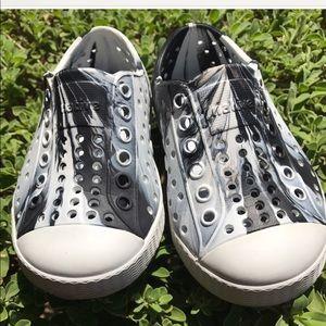 Native Shoes Shoes - New native Jefferson style boys shoe